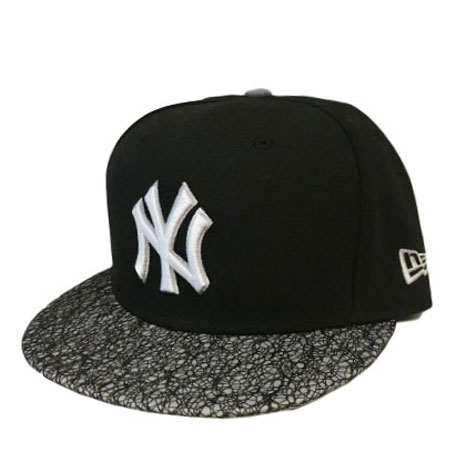 New Era NY Yankees Reflective Brim Black 59fifty Fitted Cap  803440c6a14