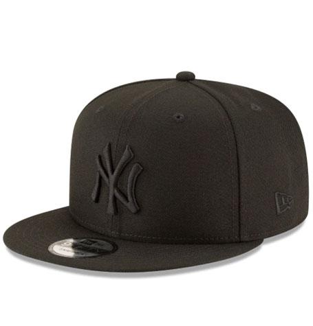 New Era 9Fifty Snapback New York Yankees Black on Black Cap