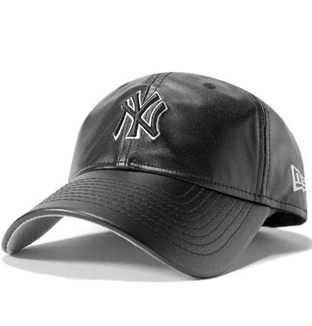 a9b55f7c5ae New Era 9Twenty PU Leather Squad Cap - New York Yankees Black
