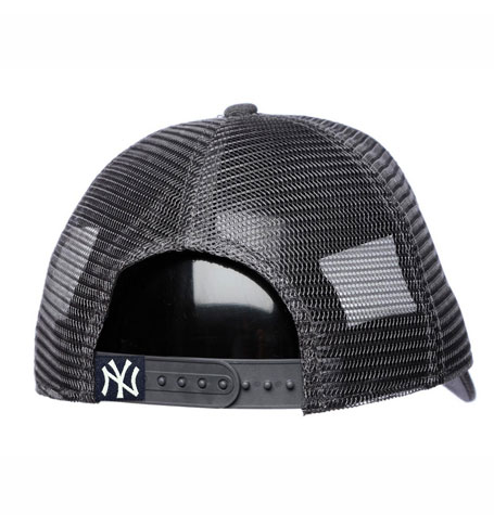 a3e30b12eb0 New York Yankees New Era Navy Trucker Washed Original Fit 9FORTY Adjustable  Hat